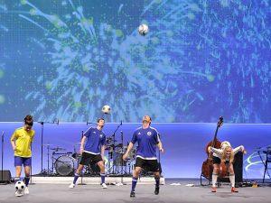 Fußball-Freestyler jonglieren auf ATR Werkstatt Kongress