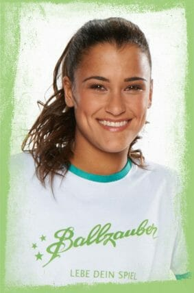 Aylin Yaren Fußball-Freestyle Girl aus Berlin